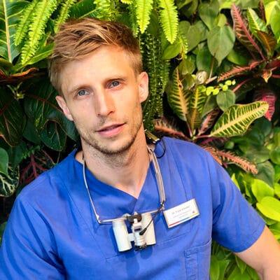 DR. FRANK SCHREIBER