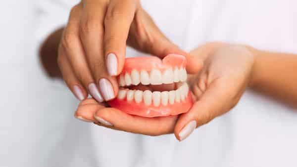 herausnehmbarer zahnersatz zahnprothese aesthetik potsdam